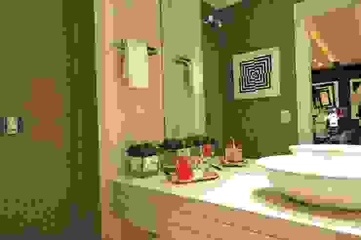 Modern bathroom by ANNA MAYA ARQUITETURA E ARTE Modern Marble