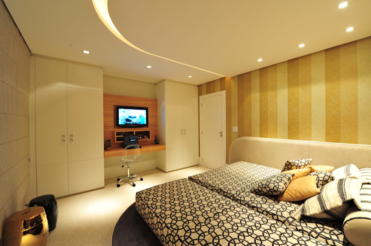 Bedroom by ANNA MAYA ARQUITETURA E ARTE, Modern Textile Amber/Gold
