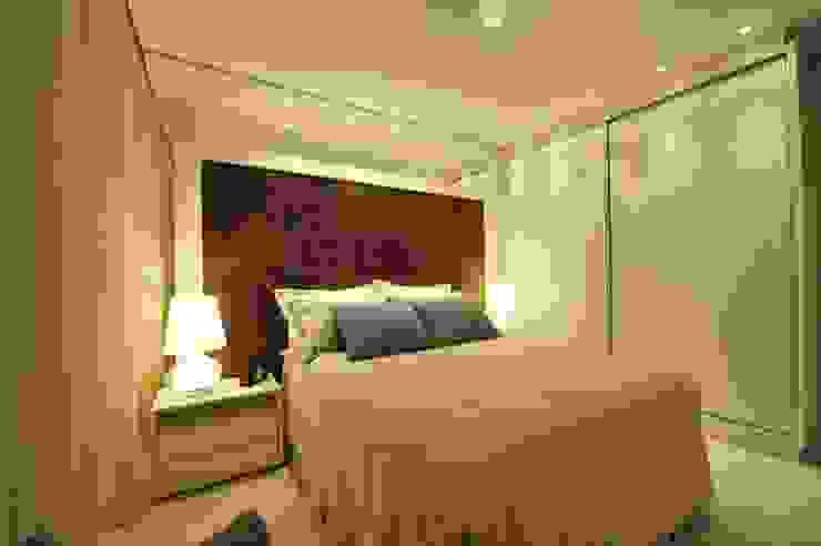 Apartamento Águas do Santinho Quartos modernos por ANNA MAYA ARQUITETURA E ARTE Moderno Fibra natural Bege