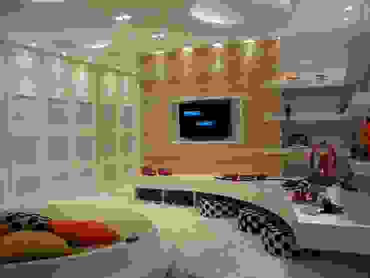 Детская комната в стиле модерн от ANNA MAYA ARQUITETURA E ARTE Модерн Текстиль Янтарный / Золотой