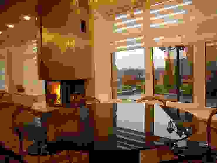 Дом в пригороде Черкасс Гостиная в стиле минимализм от дизайн-студия Олеси Середы Минимализм Металл