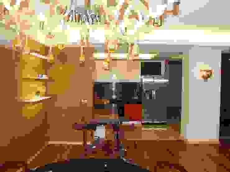 Дом в пригороде Черкасс Кухня в стиле минимализм от дизайн-студия Олеси Середы Минимализм