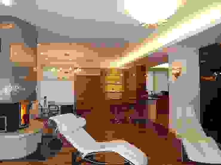 Дом в пригороде Черкасс Столовая комната в стиле минимализм от дизайн-студия Олеси Середы Минимализм