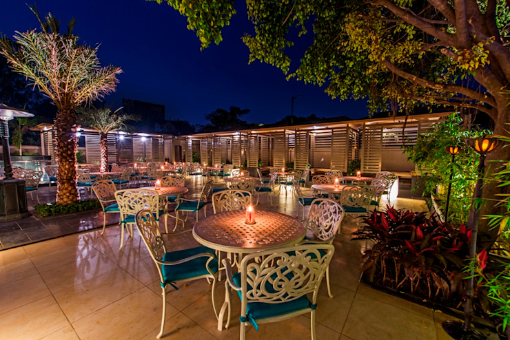 Carnival Restaurant Koregaon park Pune,India. Rustic style hotels by Wings the design studio Rustic