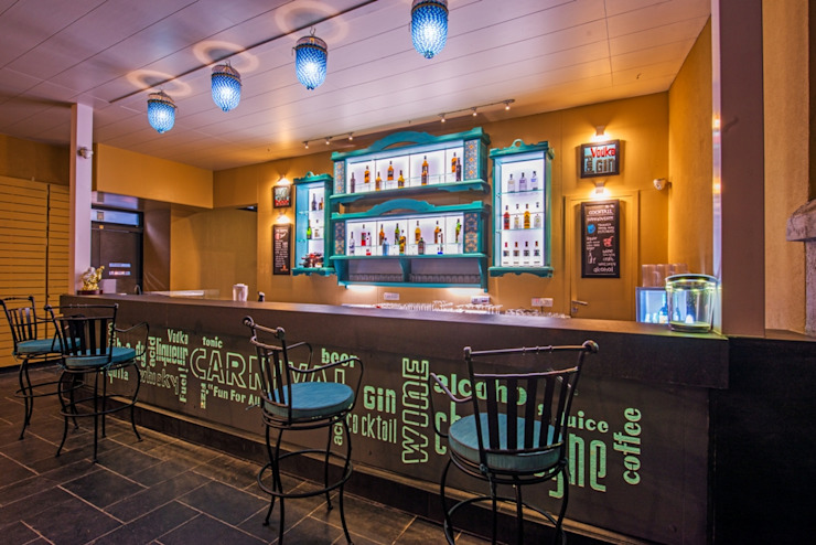 Carnival Restaurant Koregaon park Pune,India. Rustic style bars & clubs by Wings the design studio Rustic