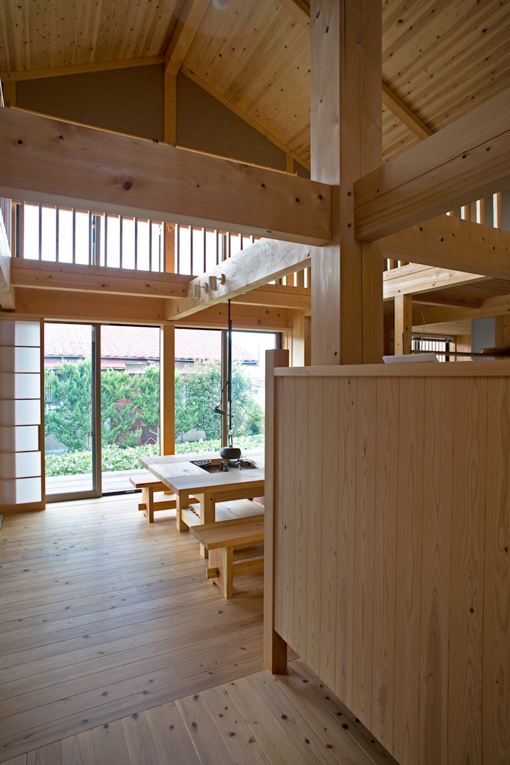 伝統構法で造る土壁の家 オリジナルスタイルの 玄関&廊下&階段 の 尾日向辰文建築設計事務所 オリジナル