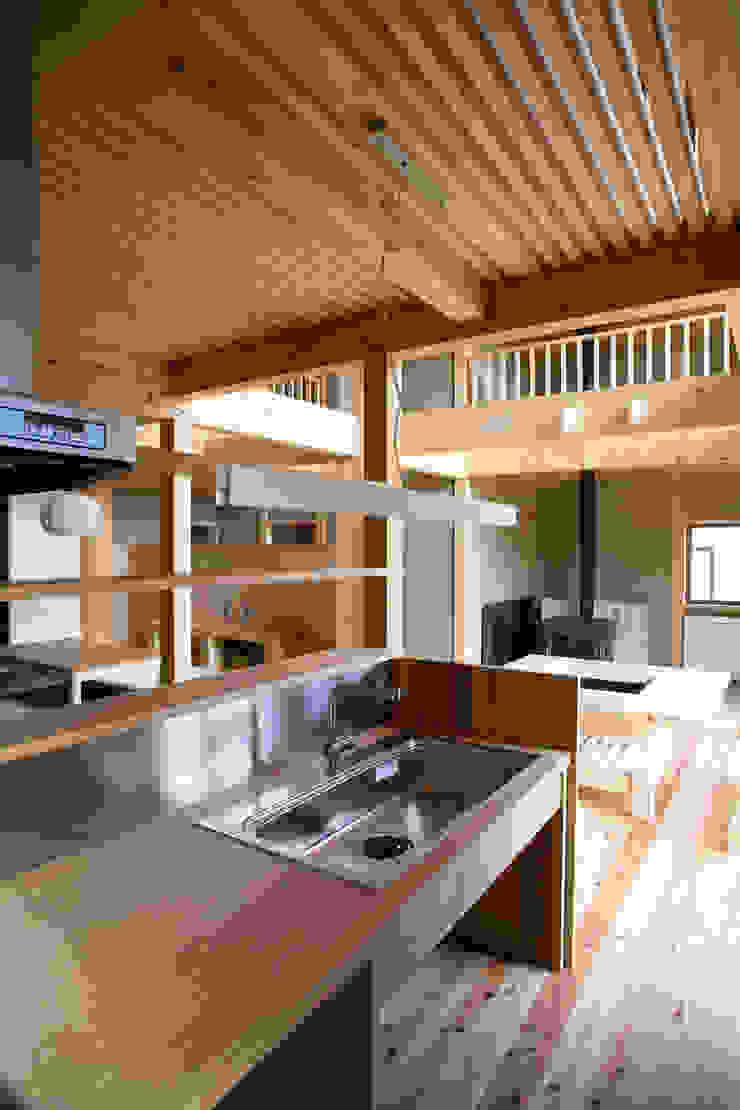 伝統構法で造る土壁の家 オリジナルデザインの キッチン の 尾日向辰文建築設計事務所 オリジナル