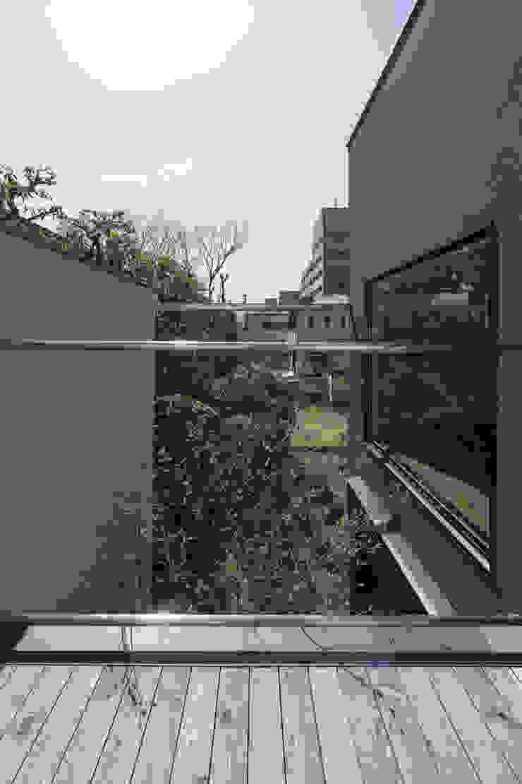 バルコニーからの眺め|深沢の家 オリジナルデザインの テラス の U建築設計室 オリジナル