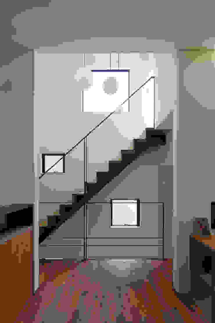 Modern dining room by U建築設計室 Modern