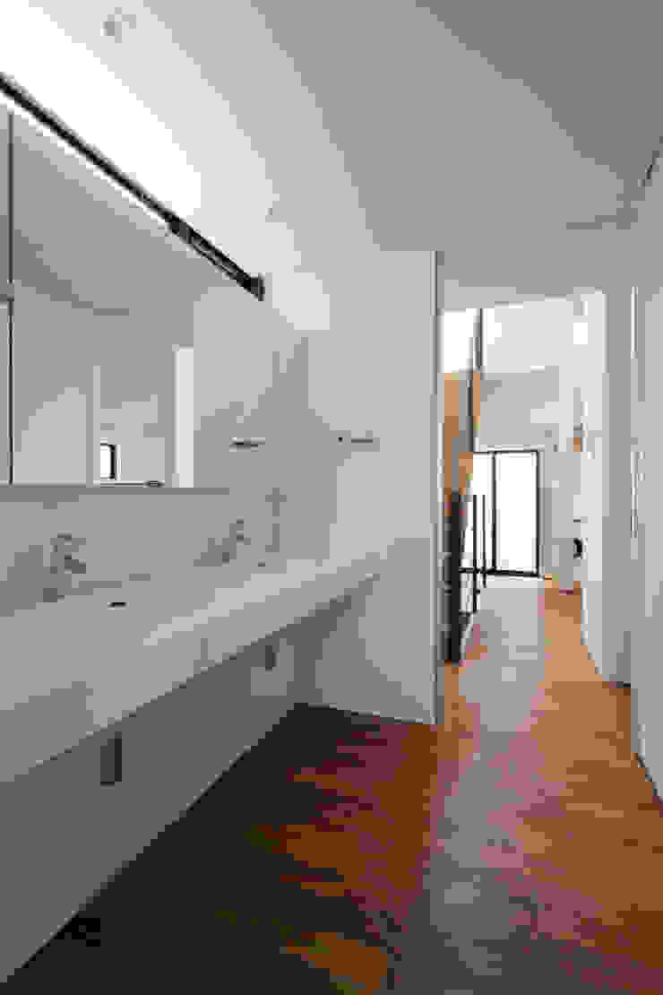 洗面|桜坂の家 ミニマルスタイルの お風呂・バスルーム の U建築設計室 ミニマル