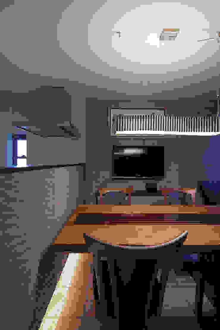 Ruang Makan Modern Oleh U建築設計室 Modern