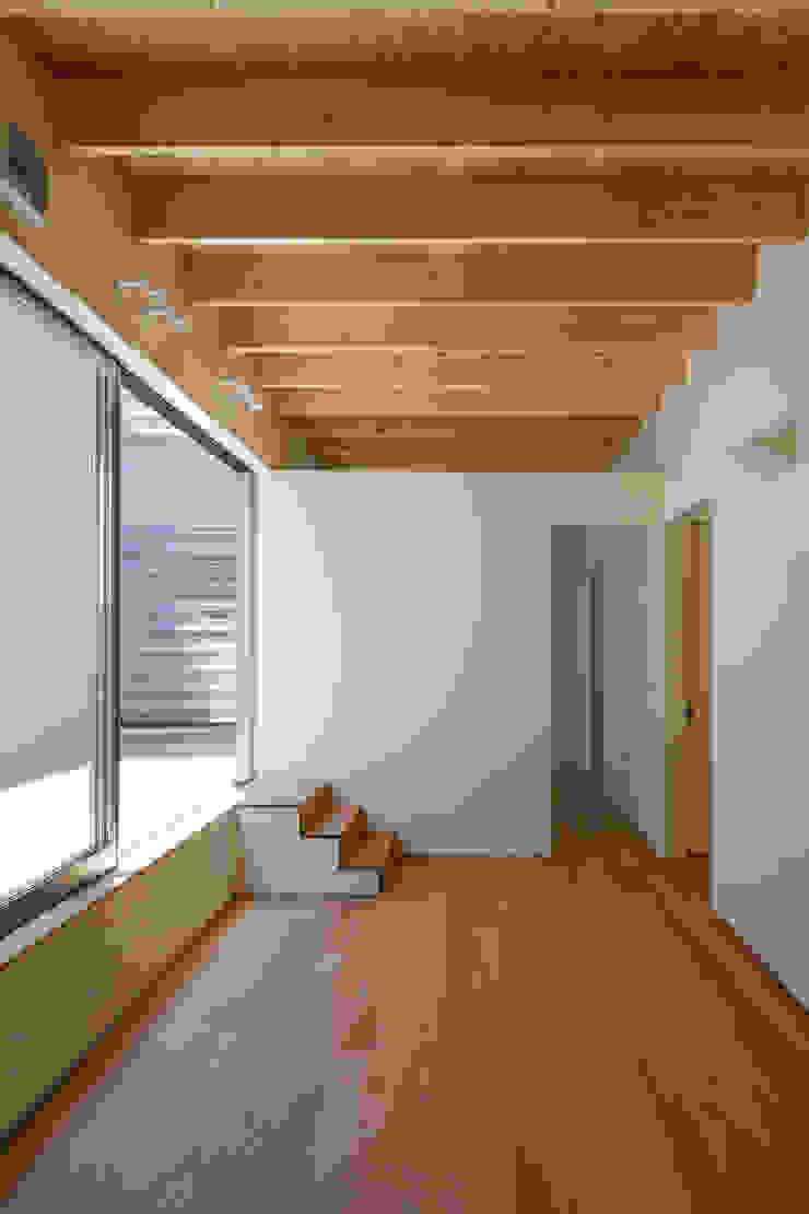 鶴見の家 ミニマルデザインの リビング の U建築設計室 ミニマル