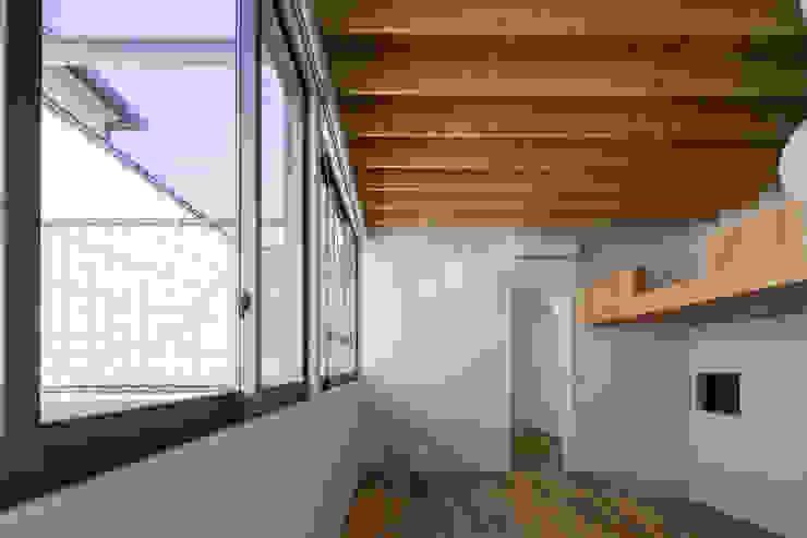 鶴見の家 ミニマルデザインの 多目的室 の U建築設計室 ミニマル