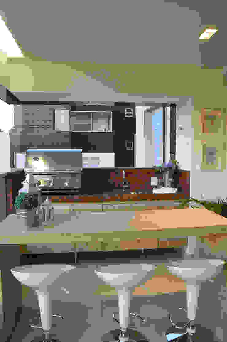 Varanda gourmet Varandas, alpendres e terraços modernos por Novità - Reformas e Soluções em Ambientes Moderno
