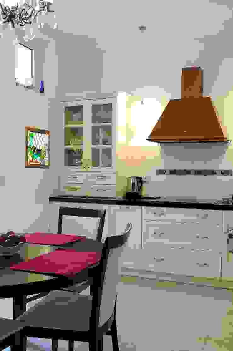ARTEMA PRACOWANIA ARCHITEKTURY WNĘTRZ 廚房 White