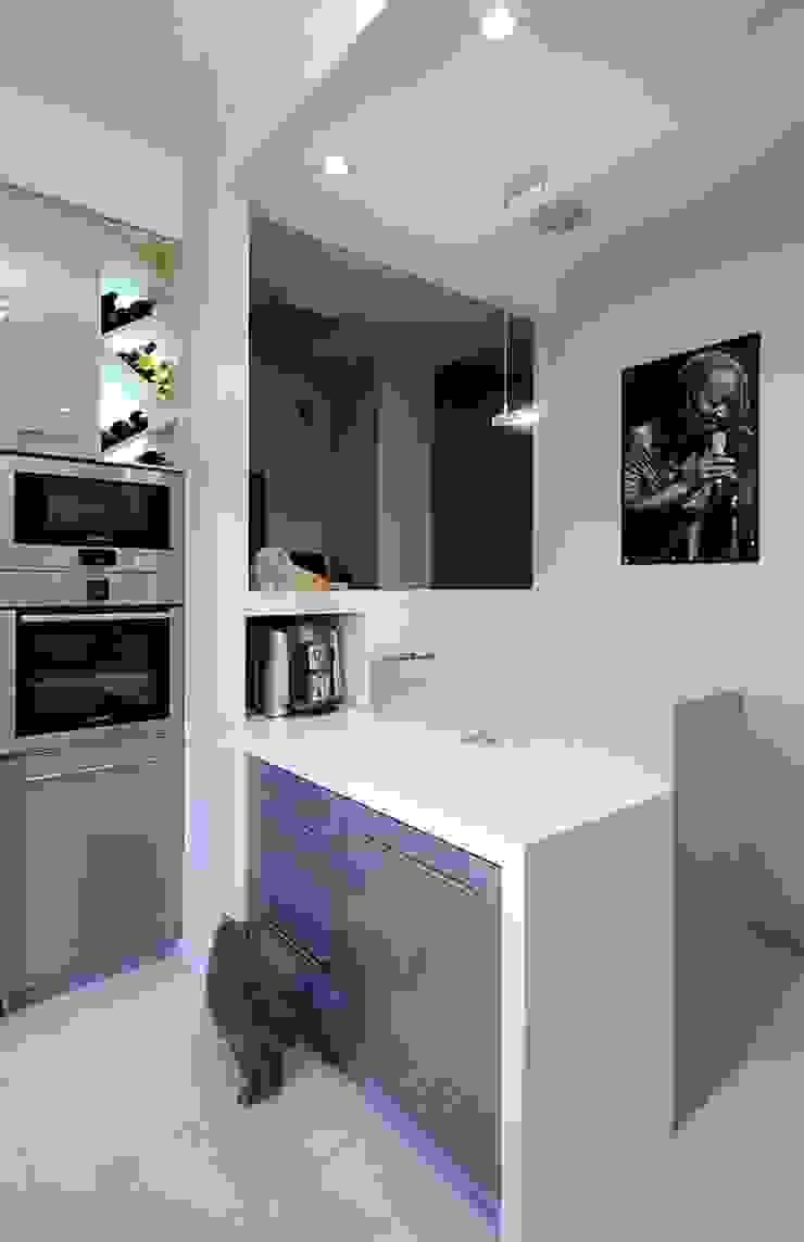 Apartament w sercu Krakowa Nowoczesna kuchnia od ARTEMA PRACOWANIA ARCHITEKTURY WNĘTRZ Nowoczesny