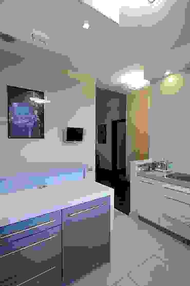 ARTEMA PRACOWANIA ARCHITEKTURY WNĘTRZ Modern Kitchen