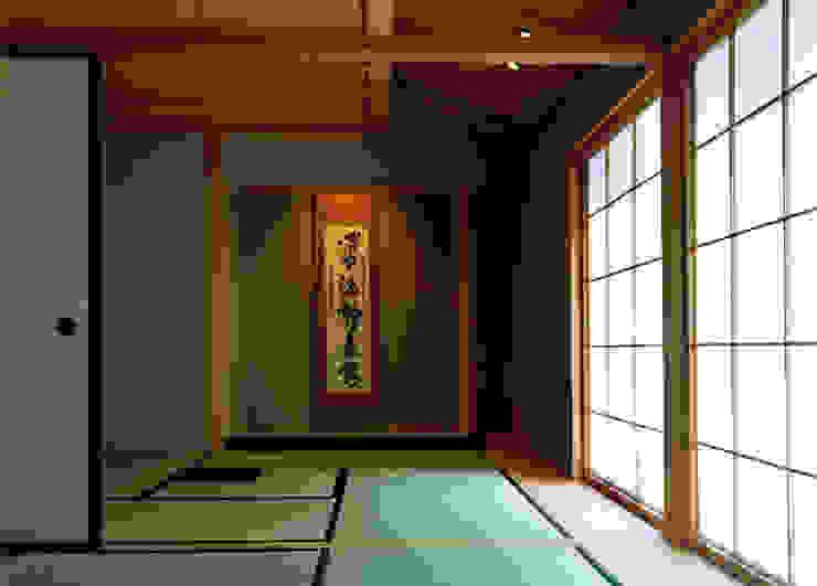 茶席のある和室 オリジナルな 壁&床 の 松井建築研究所 オリジナル