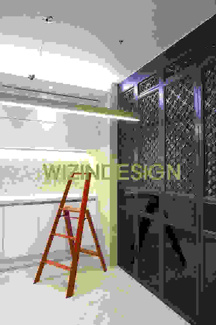 청담동 70평 아파트 모던스타일 드레싱 룸 by wizingallery 모던
