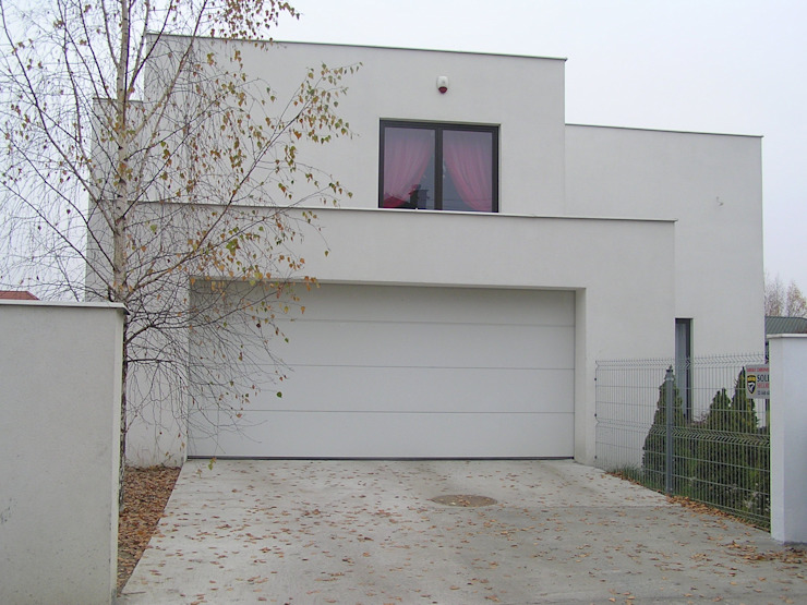 Modern garage/shed by ŁUKASZ ŁADZIŃSKI ARCHITEKT Modern