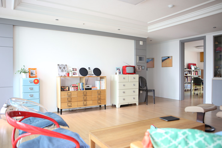 Modern Living Room by The livingfactory Modern