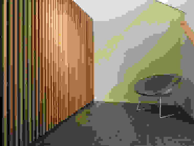 Modern corridor, hallway & stairs by IRD GmbH Modern