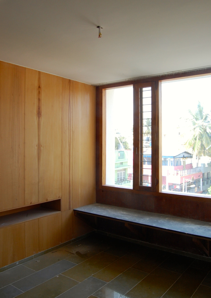 B HOUSE Asian style dining room by KIRON CHEERLA ARCHITECTURE Asian Plywood