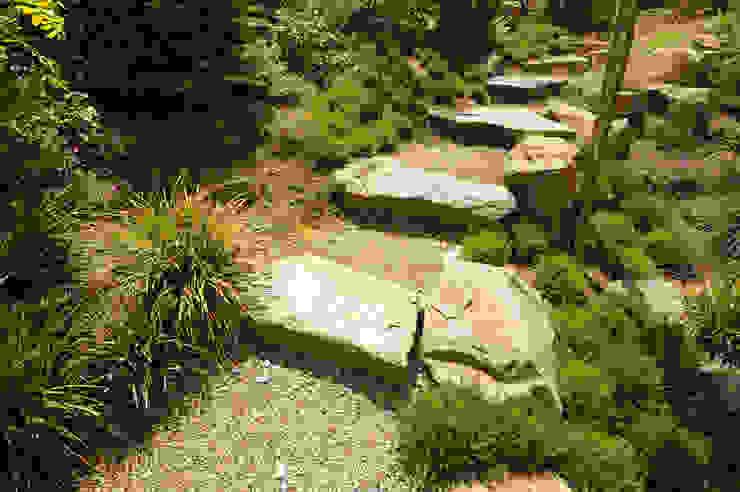 Jardines de estilo moderno de Tuindesign & Styling Ves Reynders Moderno