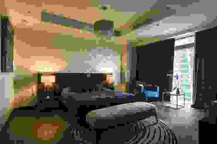 Dormitorios de estilo moderno de Дизайн-бюро'Гармония' Moderno