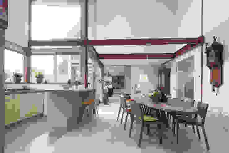 hamhuis architecten Modern dining room