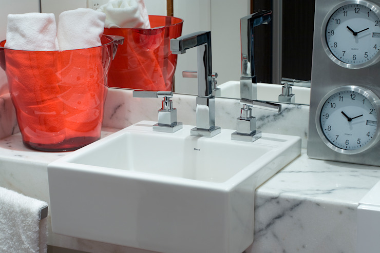 EVELIN SAYAR ARQUITETURA E INTERIORES Ванная комната в стиле модерн