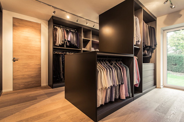 Dressing room by Meissl Architects ZT GmbH,