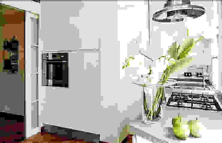 parete forno Cucina moderna di My Home Attitude - Barbara Sala Moderno