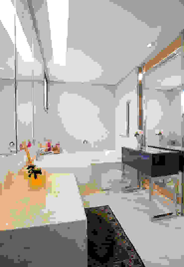 Apartamento Integrado Banheiros modernos por EL ARQUITETURA E INTERIORES Moderno