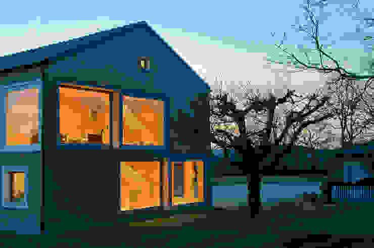 Casas modernas: Ideas, imágenes y decoración de MARKUS GOETZ ARCHITEKTUR Moderno