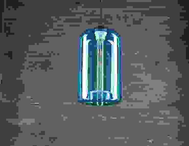 LONDON LOFT NO. 4BL – LAMPA WISZĄCA od Altavola Design Sp. z o.o. Nowoczesny Szkło