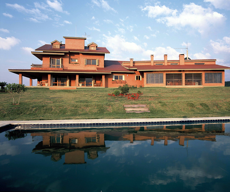 Rumah Gaya Rustic Oleh IDALIA DAUDT Arquitetura e Design de Interiores Rustic