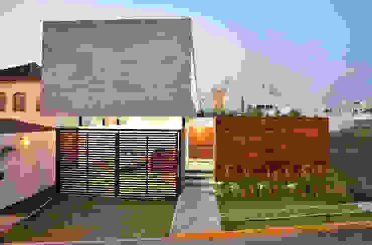 Casas de estilo  por OBRA BLANCA