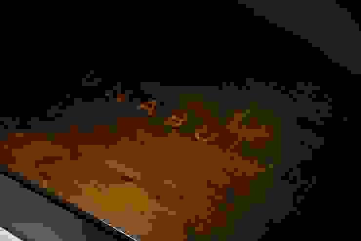 Premier plateau marqueté en buis verniz au tampon ( gome laque) por Atelier São Vicente