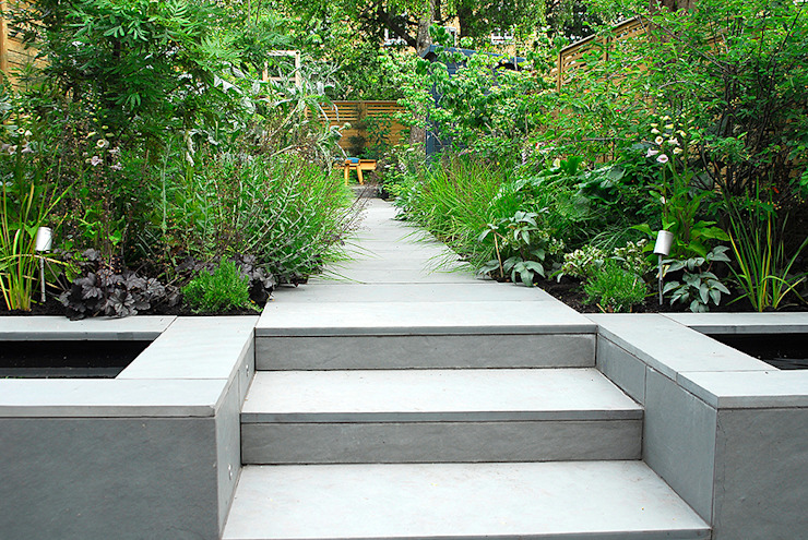 Contemporary Garden Design by London Based Garden Designer Josh Ward Modern garden by Josh Ward Garden Design Modern Tiles