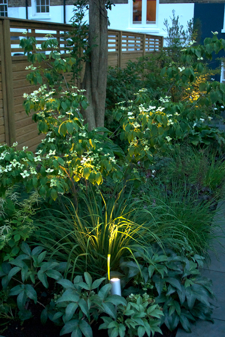 Contemporary Garden Design by London Based Garden Designer Josh Ward Modern garden by Josh Ward Garden Design Modern Slate