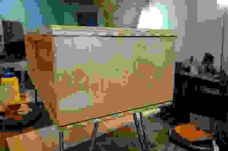 """Construction de la """"boite"""" por Atelier São Vicente"""