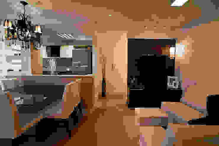 Apartamento Salas de jantar modernas por RP Arquitetura Moderno