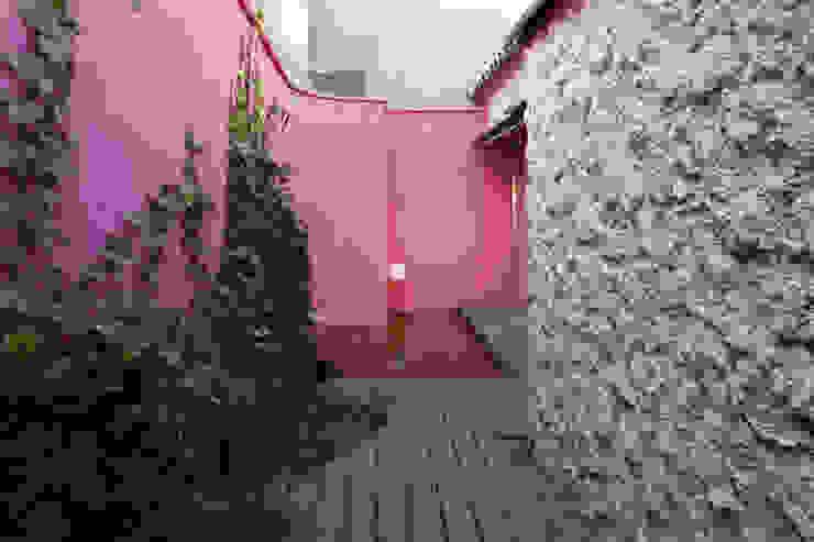 Vườn phong cách tối giản bởi daniel rojas berzosa. arquitecto Tối giản