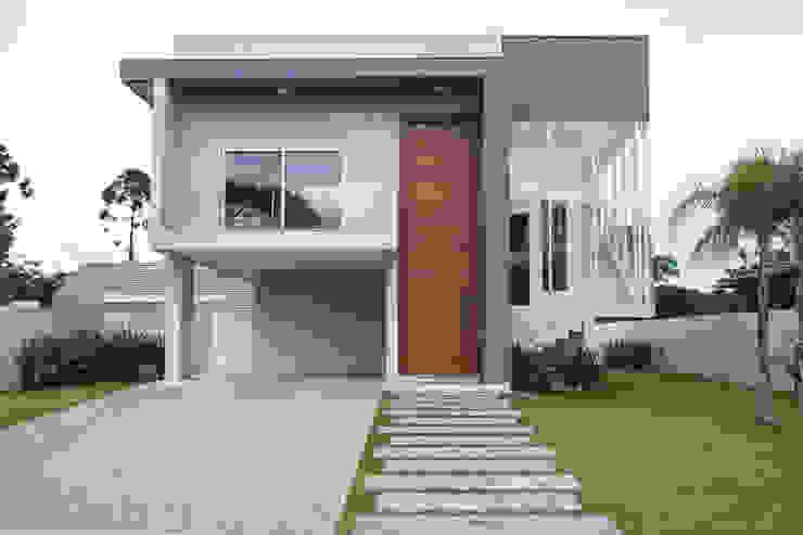 Casas de estilo  de Pau Brasil, Moderno