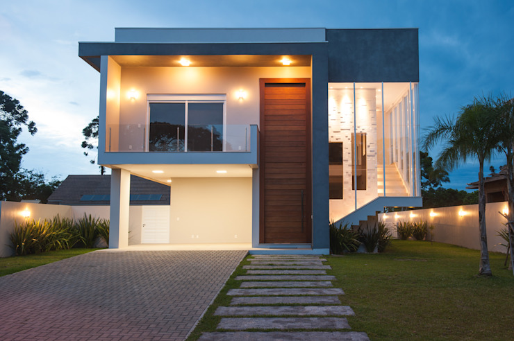 Fachada Casas modernas por Pau Brasil Moderno