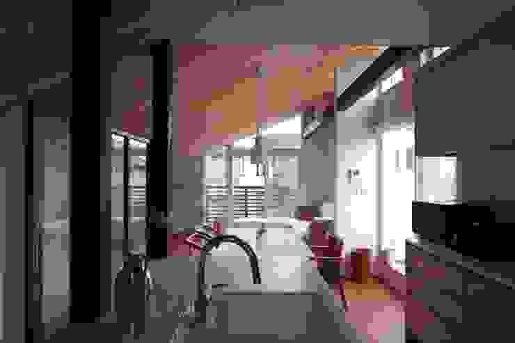 光と風が通り抜ける都心の家 北欧デザインの キッチン の アトリエグローカル一級建築士事務所 北欧