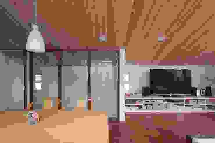 光と風が通り抜ける都心の家 北欧デザインの ダイニング の アトリエグローカル一級建築士事務所 北欧