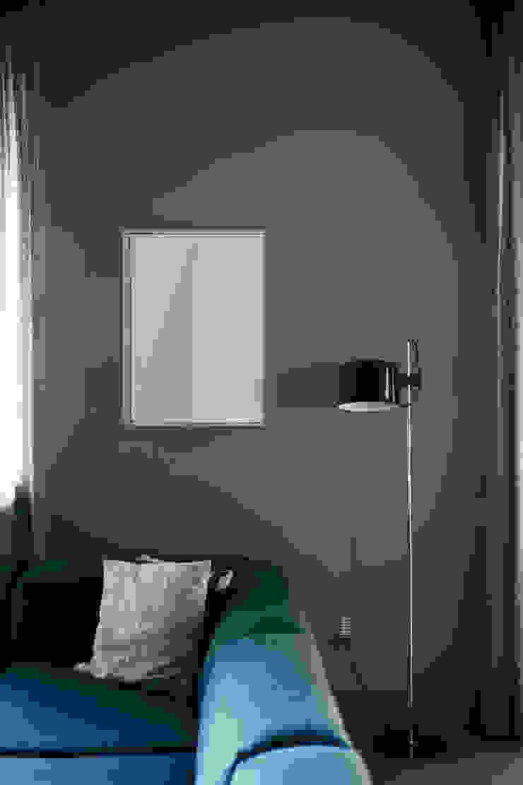 house#01 soggiorno di andrea rubini architetto Moderno Carta
