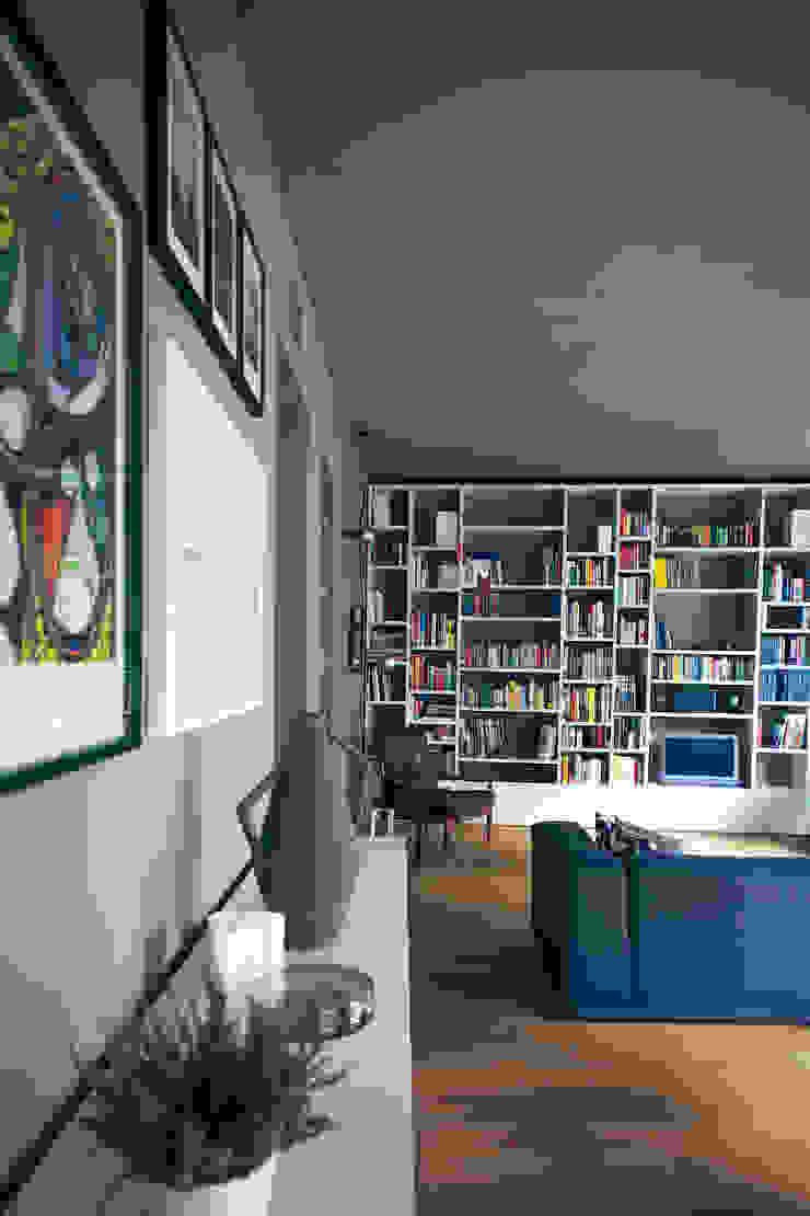 house#01 soggiorno Soggiorno in stile scandinavo di andrea rubini architetto Scandinavo Porcellana